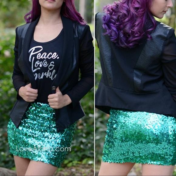 e7203a22 NWT Green Sequin Skirt M 💚 Sparkly Mermaid Style. NWT. Love Alana.  M_5b27e2abbaebf6ab1cdc65f3. M_5b27e093035cf1c47a935b0a.  M_5b27e094bb76157ba3e093ce